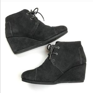 Toms • black suede round toe wedge shoes